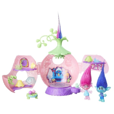 WIN A TROLLS PRINCESS POPPY CORONATION POD PLAYSET