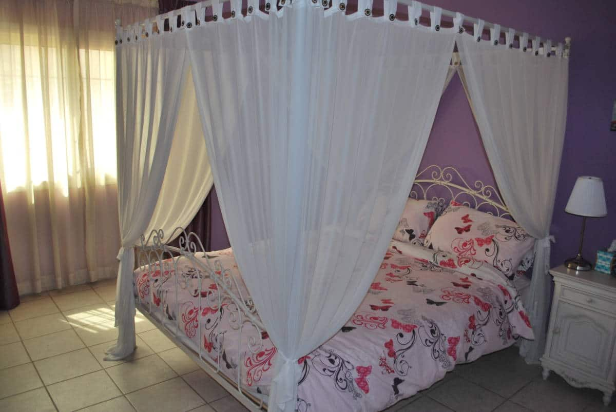 White Metal 4 Poster Princess Double Bed With Nets