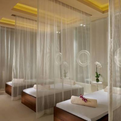 WIN A ONE NIGHT STAY WITH A 45 MIN BESPOKE MASSAGE FOR 2 AT WALDORF ASTORIA – WORTH AED2,000