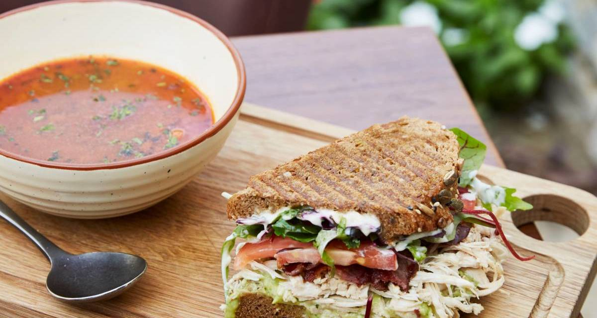 Jones the Grocer Express opens at Dubai Creek Golf & Yacht Club offering coffee, juice, sandwich and dessert – all for AED 50!