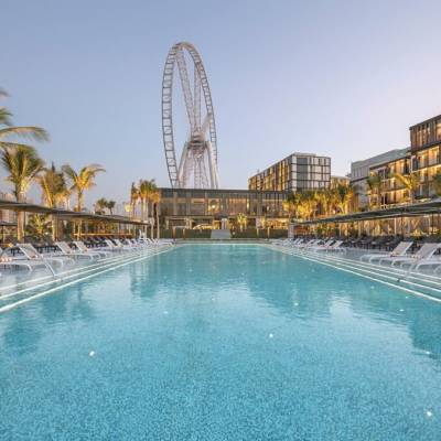On the 1st Day of Christmas, British Mums gave to me… 1 night at Caesars Resort Bluewaters Dubai for my family of four!