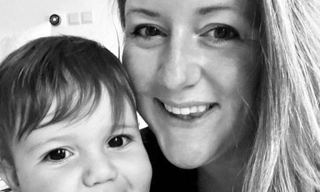 Meet British Mum Chloe Deacons
